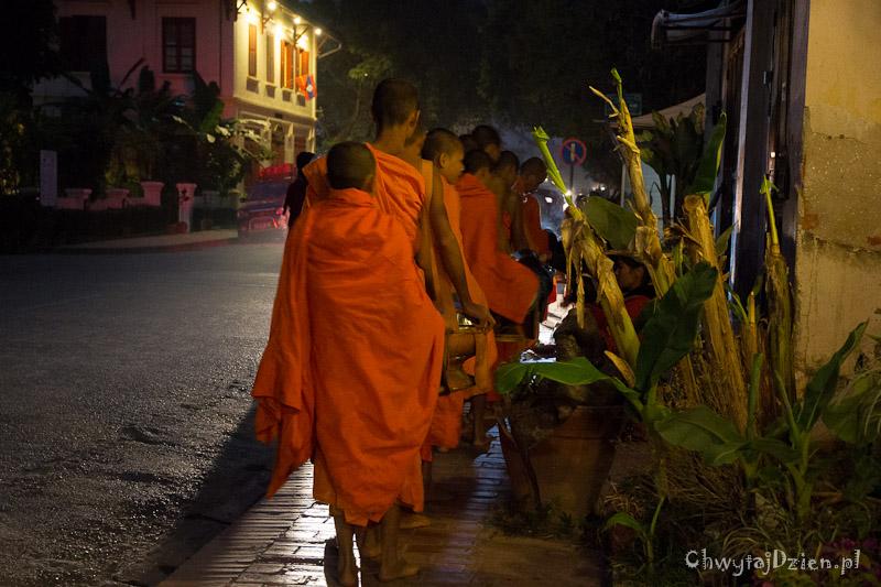 Mnisi z Luang Prabang